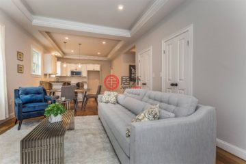 居外网在售美国3卧2卫曾经整修过的房产总占地707平方米USD 899,000