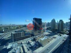 居外网在售阿联酋迪拜3卧5卫的房产总占地199平方米AED 165,000 / 月