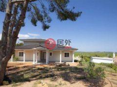 居外网在售西班牙3卧3卫的房产EUR 750,000
