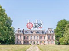 居外网在售法国凡尔赛16卧16卫的房产总占地400000平方米EUR 15,600,000