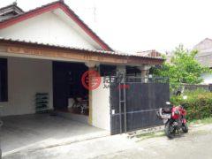 居外网在售印尼Pamulang Barat3卧3卫的房产总占地208平方米IDR 1,750,000,000