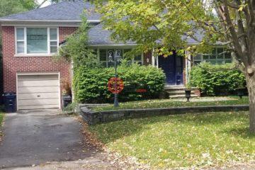 居外网在售加拿大3卧3卫原装保留的房产总占地557平方米CAD 3,088,888