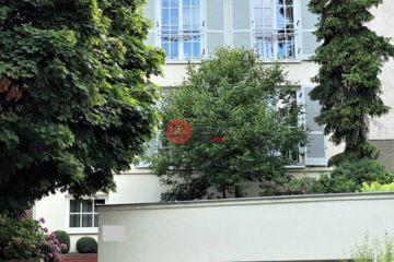 居外网在售奥地利6卧2卫曾经整修过的独栋别墅总占地583平方米EUR 3,900,000