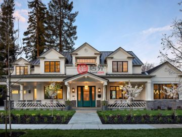 Hamptons Style in Old Palo Alto